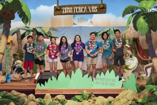 2018 FCBCA VBS Crew Leaders Holding On ADJ